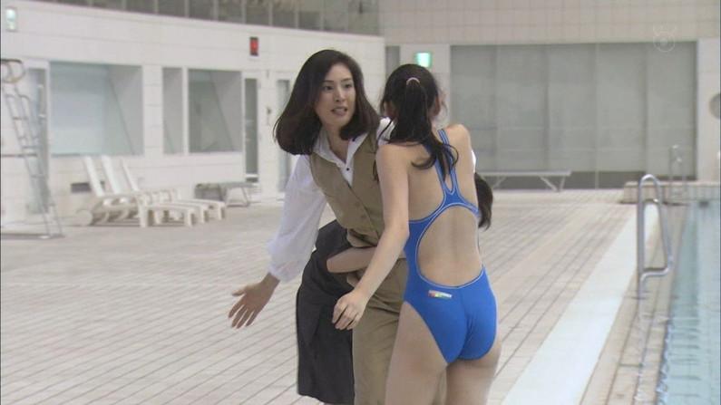 【お尻キャプ画像】オッパイ無いからってお尻出し過ぎwテレビでハミ尻しまくりの女達ww 13