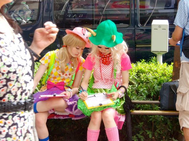 【コスプレエロ画像】今年も来るか!?ハロウィンと言う名のビッチギャル達がこぞってエロいコスプレ披露する祭ww 22