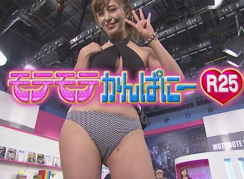 【マン筋キャプ画像】テレビでマンコの割れ目がくっきり分かっちゃったww 07