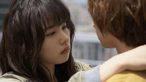 【キスキャプ画像】見てるだけでこっちがドキドキしちゃうタレントのキス顔やキスシーンww 01