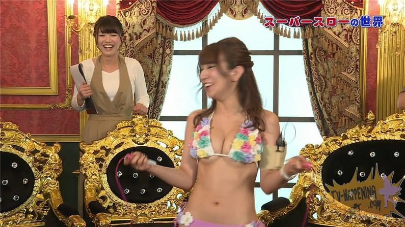 【お宝エロ画像】ケンコバのバコバコTVで美女の水着がやばい事になってるww 03