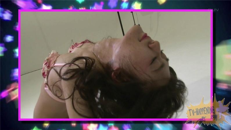 【お宝エロ画像】ケンコバのバコバコTVで美女の水着がやばい事になってるww 21