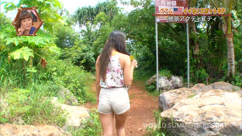 【お尻キャプ画像】女子アナやアイドル達がぴったりパンツ履いてパンツライン見せびらかしてるw 06