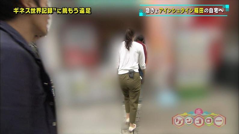 【お尻キャプ画像】女子アナやアイドル達がぴったりパンツ履いてパンツライン見せびらかしてるw 15