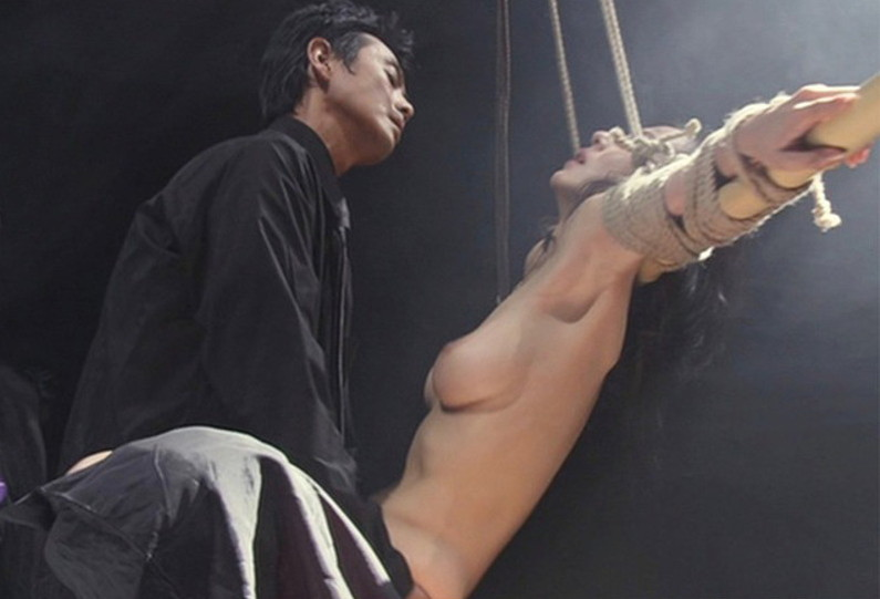 【濡れ場キャプ画像】女優さん達のベッドシーンってマジで入ってるんじゃないか?ってくらいエロい演技するよなw