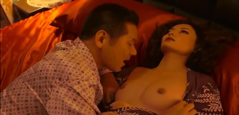 【濡れ場キャプ画像】女優さん達のベッドシーンってマジで入ってるんじゃないか?ってくらいエロい演技するよなw 14