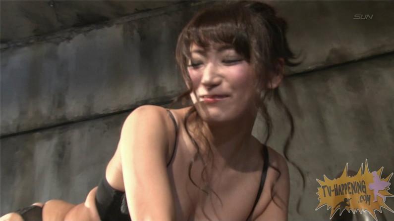 【お宝エロ画像】バコバコTVに出てくるTバックのお尻と巨乳オッパイがエロくてケンコバ羨ましすぎww 41